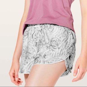 Lululemon shorts choose a side shorts size 4